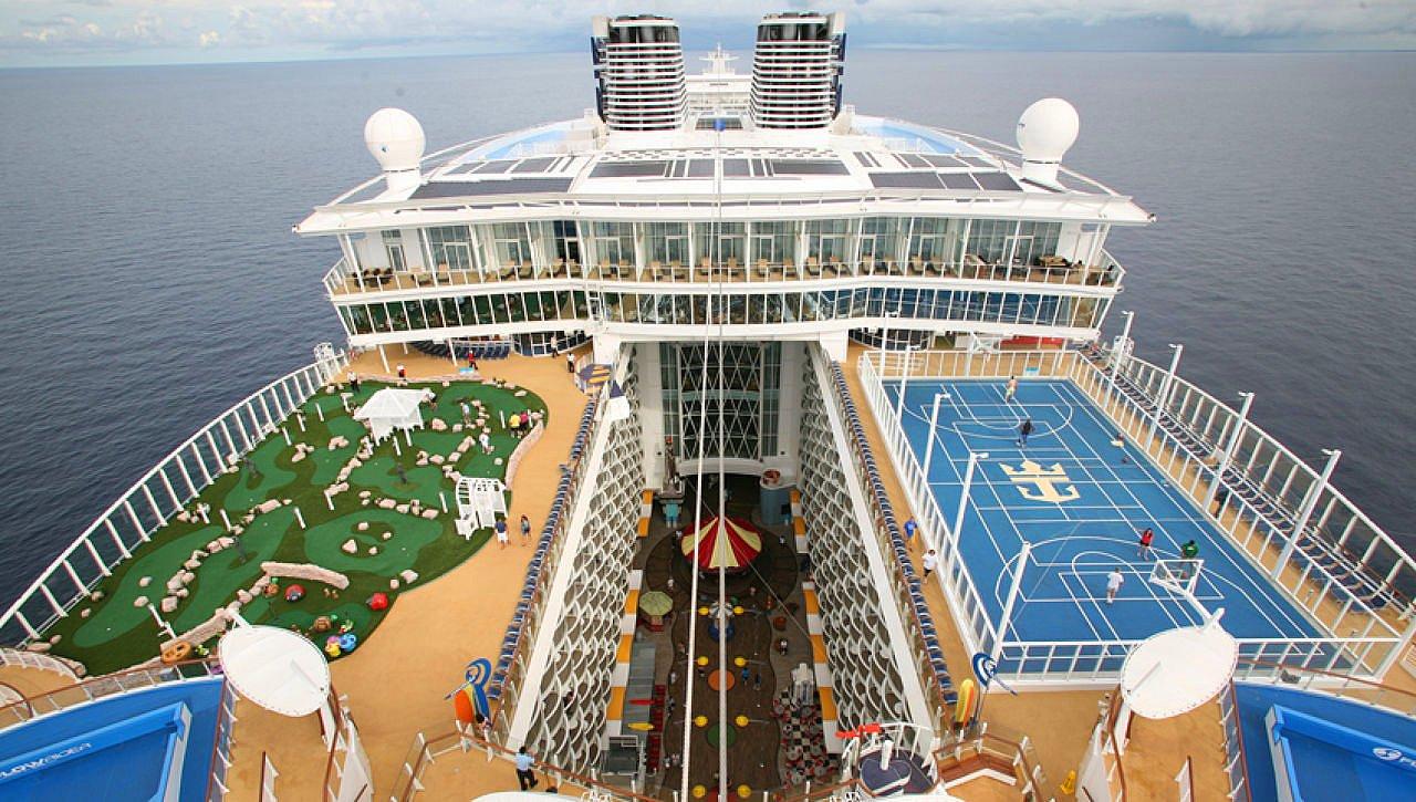 Royal Caribbean Oasis of the Seas Cruise Ship
